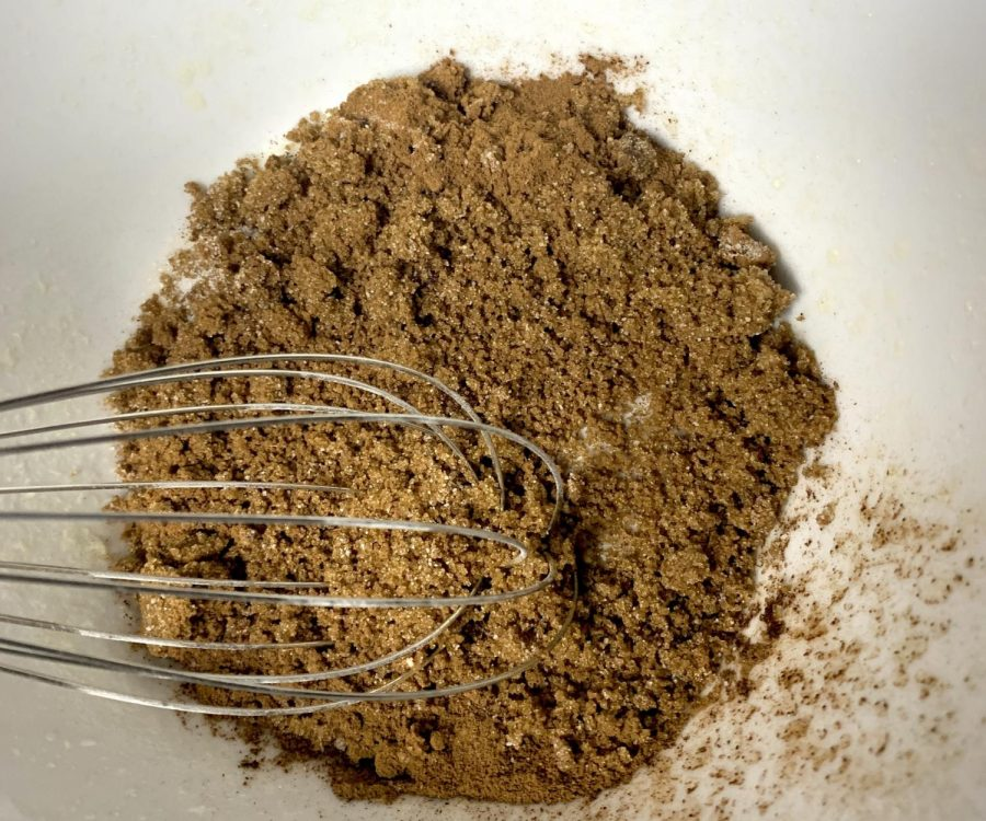 At this point, preheat the oven to 350 degrees Fahrenheit. In a small bowl, whisk together the cinnamon and brown sugar.