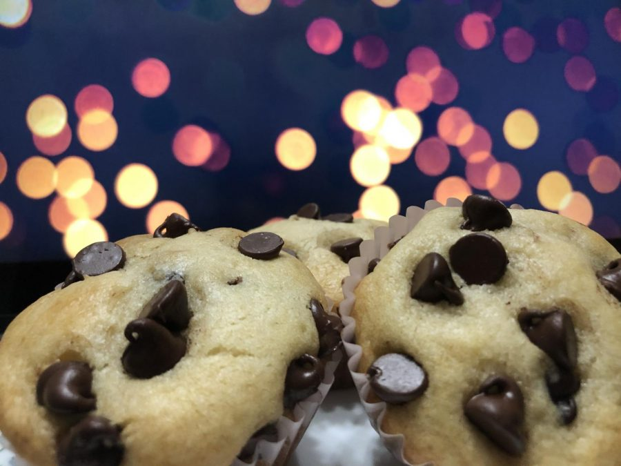 A recipe to make homemade eggless chocolate chip muffins!!